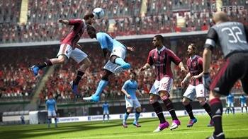FIFA13_PS3_Antonini_defensive_header_WM