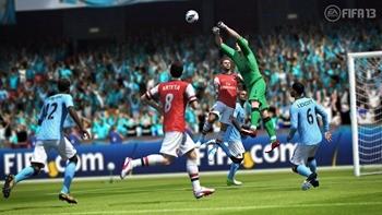 FIFA13_PS3_Hart_punching_save_EMBARGOED_UntilAUG14th_WM