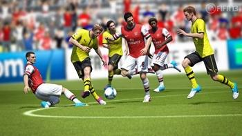 FIFA13_X360_Kuba_pass_into_space_WM