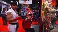 New-York-Comic-Con-2013-Cosplay-Thursday-NYCC-Ryu-and-Ash-Ketchum
