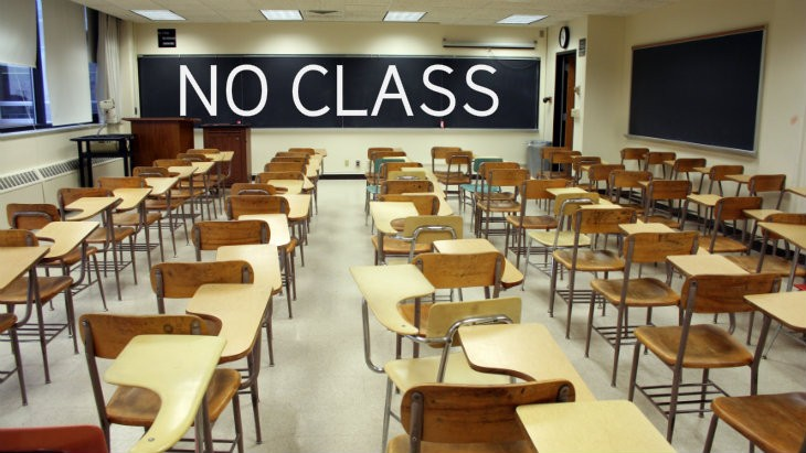 Classroom of empty chairs1