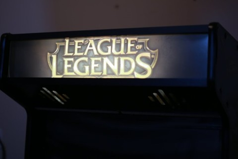 League-of-Legends-arcade-5.jpg