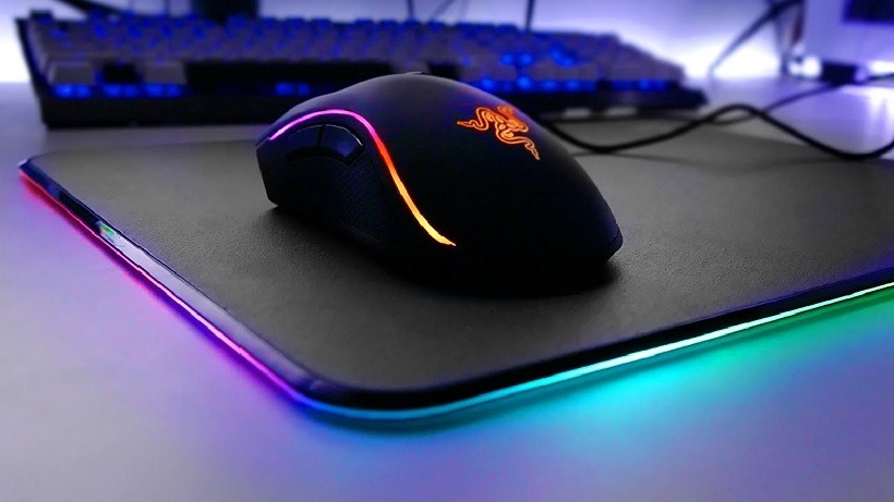 razer mamba tournament edition chroma review light 39 em up. Black Bedroom Furniture Sets. Home Design Ideas