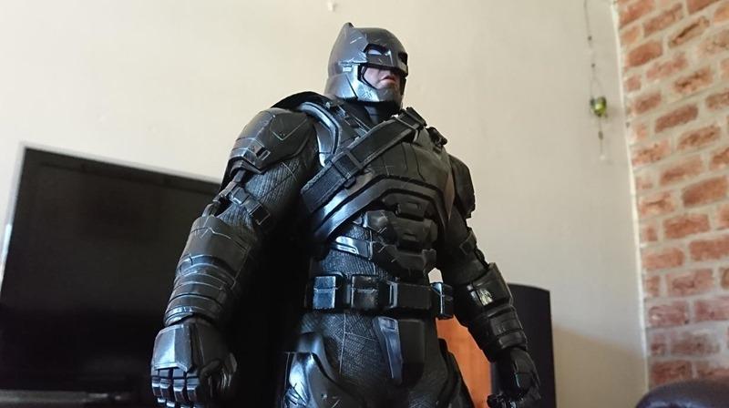Black chrome Batman (1)