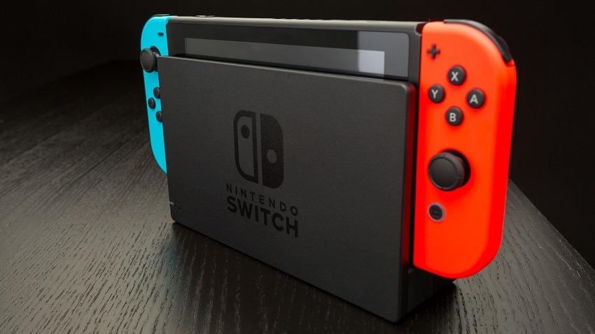 Nintendo Switch sets sales records 2
