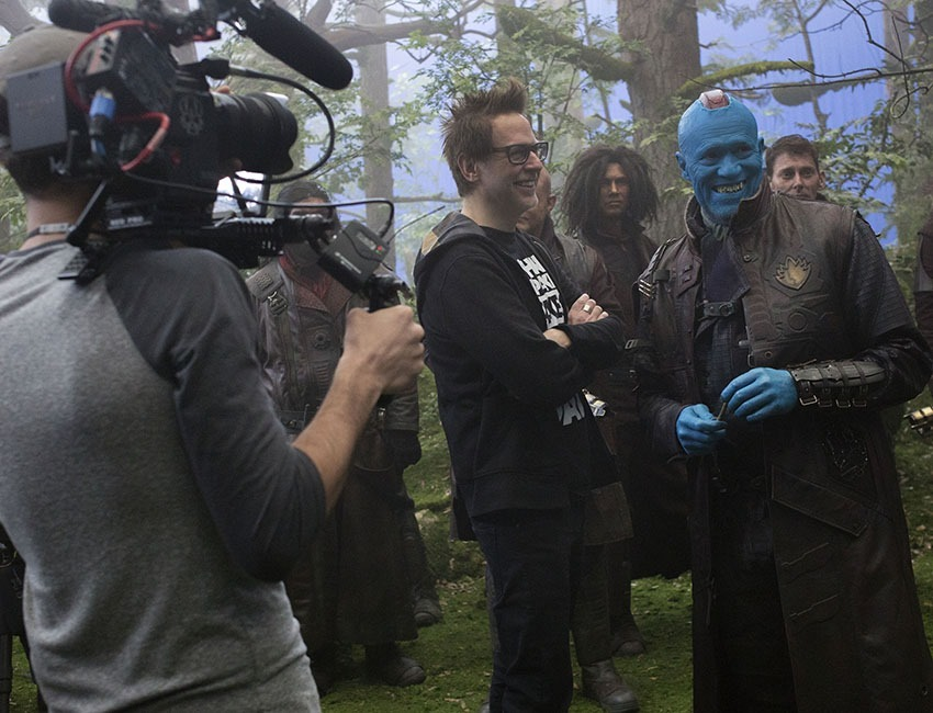 Guardians Of The Galaxy Vol. 2 L to R: on set w/ Director James Gunn and Yondu (Michael Rooker) Ph: Chuck Zlotnick ©Marvel Studios 2017